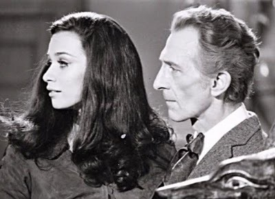 Peter Cushing & Valerie Leon in Blood From The Mummy's Tomb